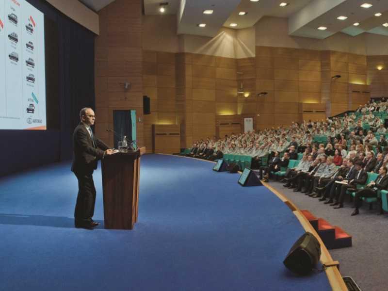 Ив Каракатзанис призвал вазовцев готовиться к трудностям в текущем 2020 году
