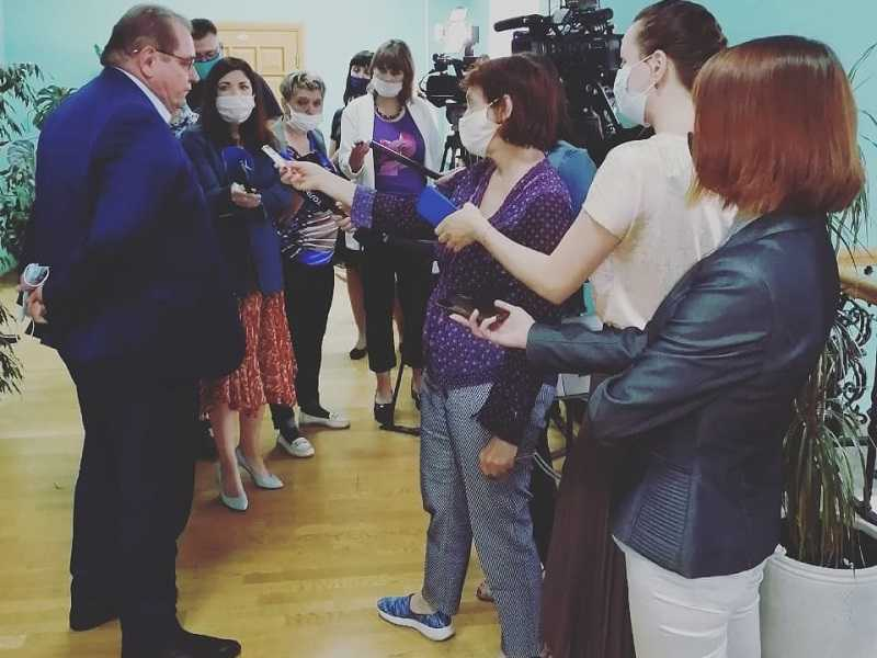 """В день выставления """"тройки"""" Сергею Анташеву городские власти продемонстрировали недостаточное внимание к коронавирусной угрозе"""