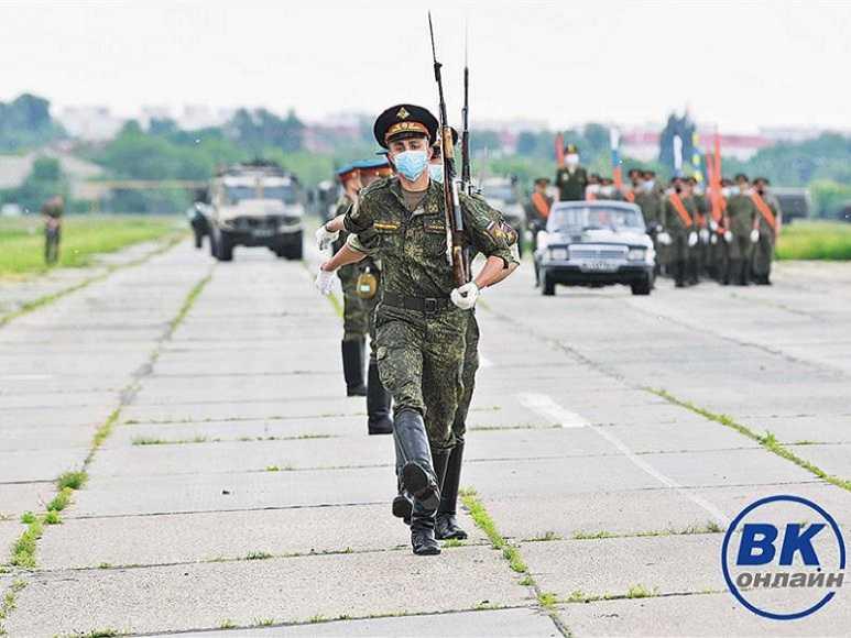 На аэродроме Кряж провели первую в условиях коронавируса тренировку намеченного на 24 июня самарского парада