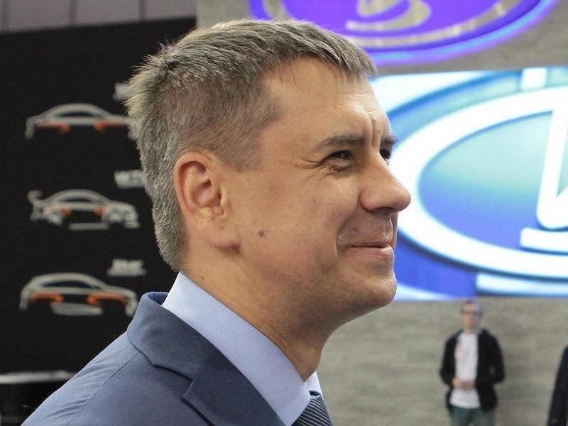 Сергей Андреев хитро улыбается по поводу своего будущего