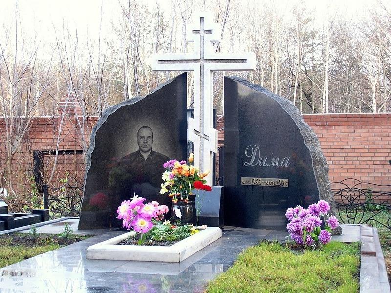 В Тольятти продолжают уважать братву 1990-х