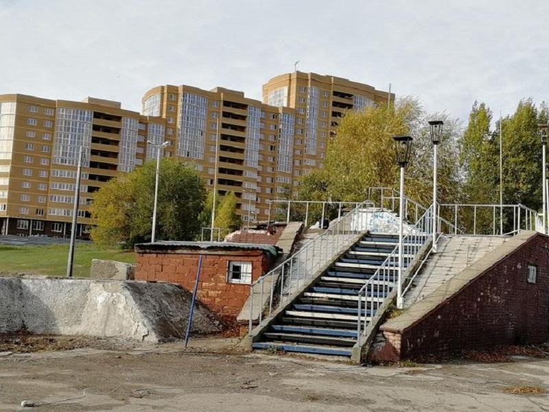 """Сдавший """"Спутник"""" на металлолом грузин пообещал открыть молодежный центр"""