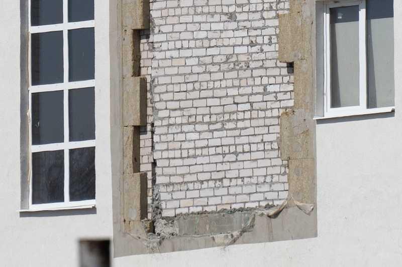 В Комсомольском районе Тольятти начал разваливаться недостроенный спорткомплекс?