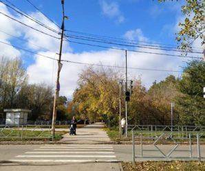 Очередной тольяттинский перекресток получил не вписывающиеся в пейзаж ограждения