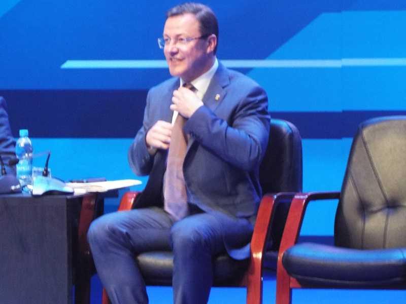 Дмитрий Азаров возмутился обвинениями в излишней любви к Самаре
