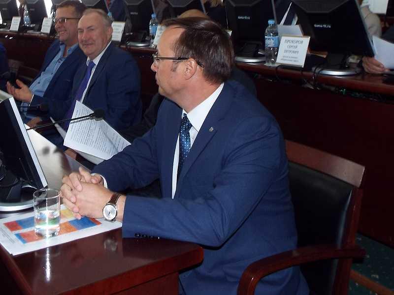 Дмитрий Микель счел простых тольяттинцев недостаточно авторитетными и уважаемыми для прямых выборов мэра