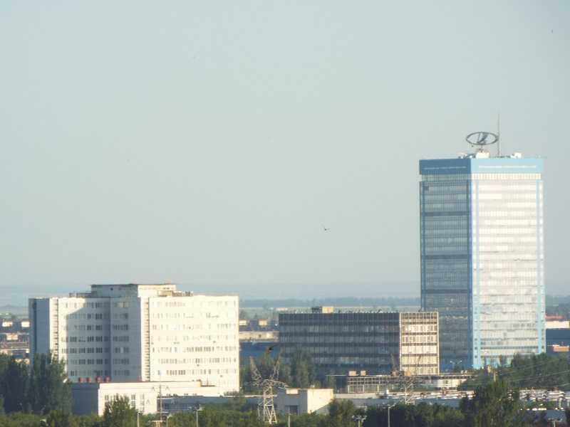 АВТОВАЗ обеспечивает конвейерные линии телепропагандой на фоне приостановки производства