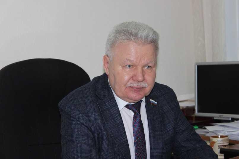 Подписывать липовые документы за Межеедова будет его зам Казачков  