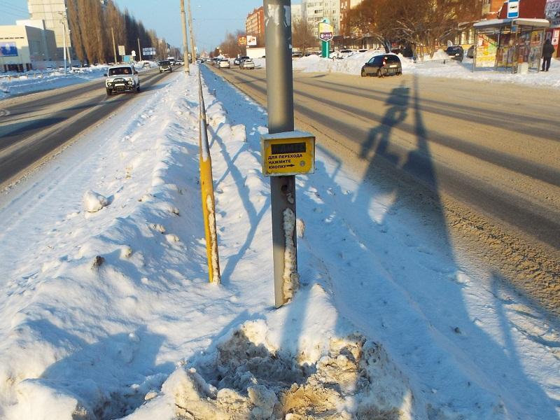 Дмитрий Азаров поторопился с борьбой против роста цен на бензин